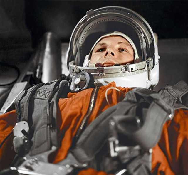 В каком году первый космонавт полетел в космос, жизнь и подготовка Гагарина к полету