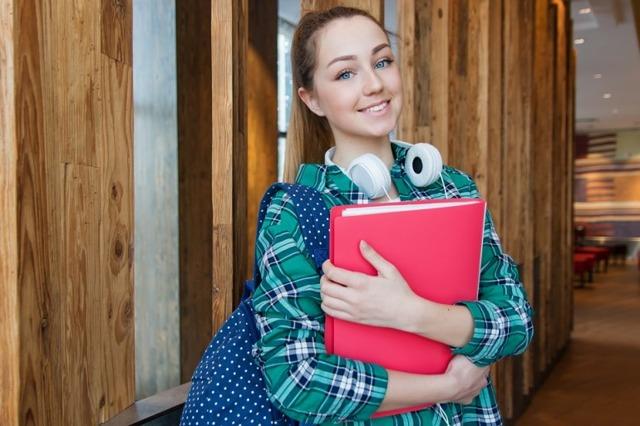 Где можно найти работу в 14 лет: правила приёма на работу подростков, кем можно работать