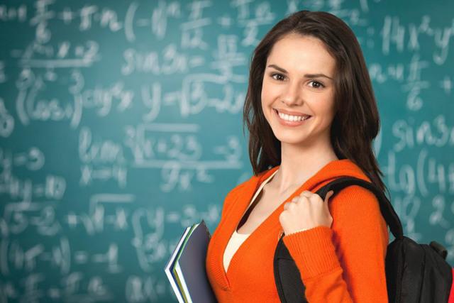 Куда можно поступить после 11 класса девушке: принципы и список профессий
