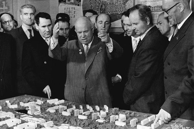 Годы правления Н С Хрущёва и его краткая биография, особенности политики