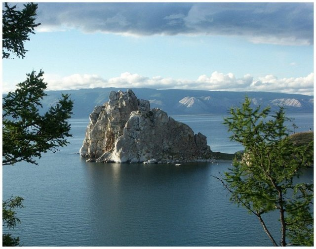 Сообщение о Байкале: где находится самое глубокое озеро в мире, сколько рек впадает