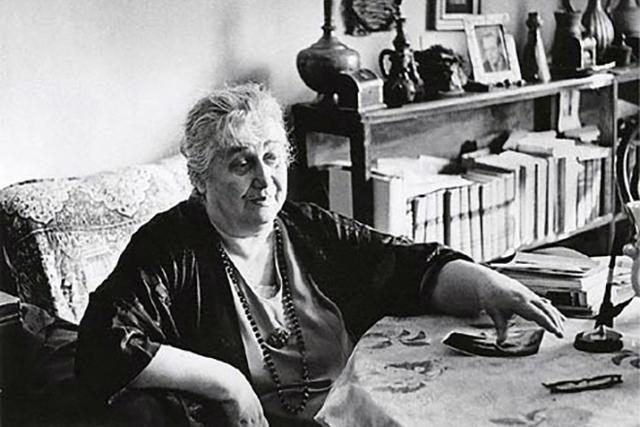 Краткая биография литературоведа и поэтессы Анны Ахматовой, факты о ее жизни и творчестве