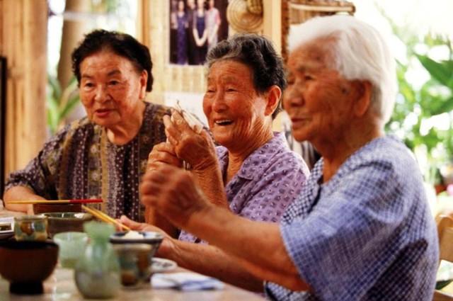 Япония: численность населения, продолжительность жизни японцев, состав семьи