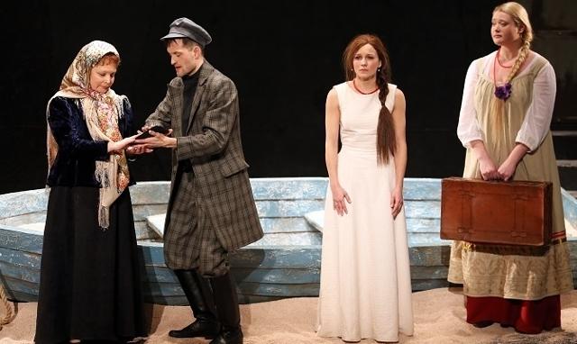 Характеристика Варвары Кабановой в пьесе Островского Гроза, которая является натурой яркой и самобытной