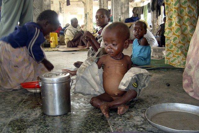 Дети Африки: как живут люди на черном материке, каннибалы и диктаторы